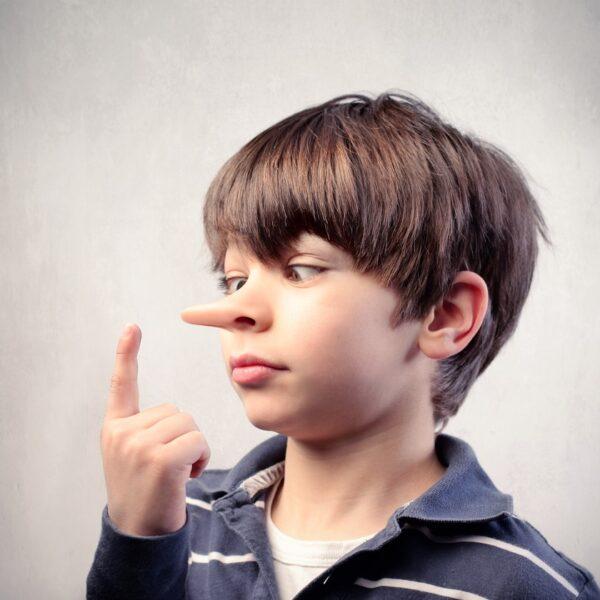 nos rośnie od kłamstwa