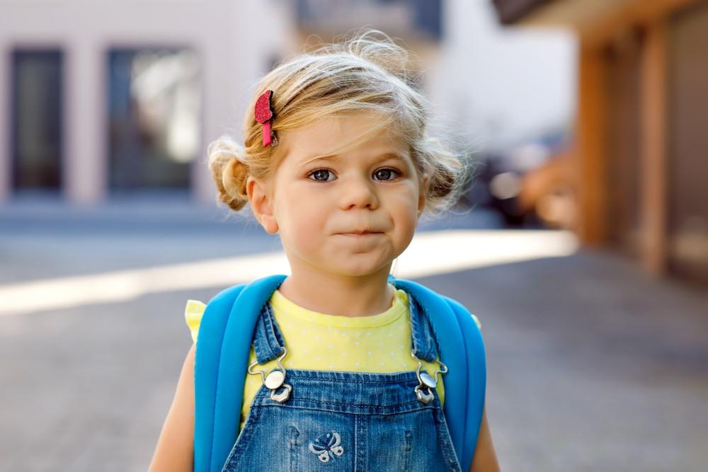 dziewczyna w wieku przedszkolnym